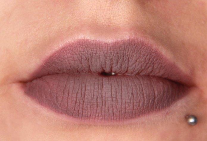 cliomakeup-recensione-lingerie-lipsticks-NYX-9
