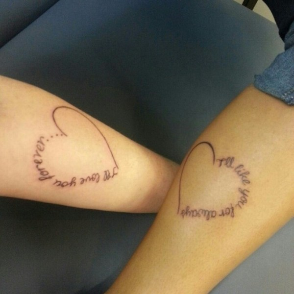 ClioMakeUp-tattoo-fare-con-mamma-per-sempre-abbraccio-cuori-scritte