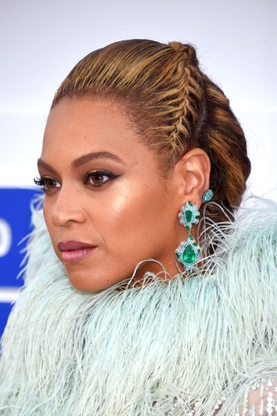 ClioMakeUp-vmas-2016-video-music-awards-mtv-beauty-look-abiti-trucchi-beyonce-10