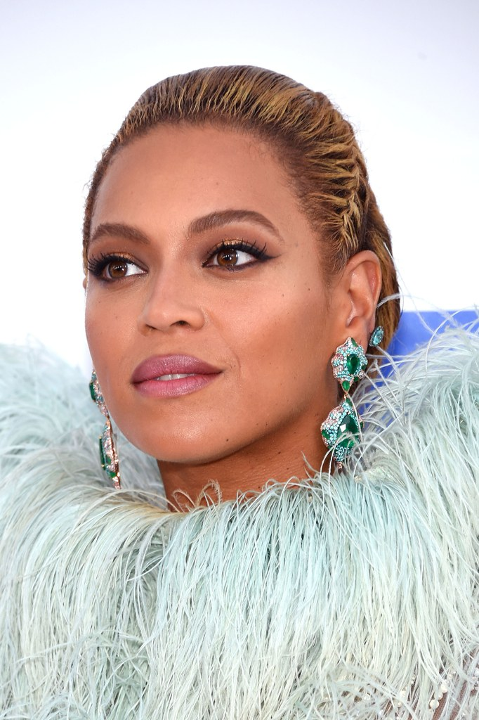 ClioMakeUp-vmas-2016-video-music-awards-mtv-beauty-look-abiti-trucchi-beyonce-8