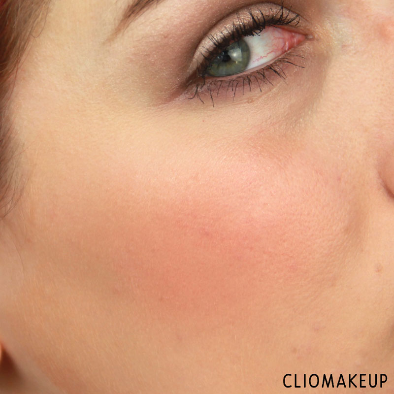 cliomakeup-recensione-touch-up-to-go-palette-essence-12