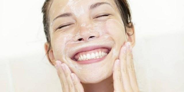 ClioMakeUp-acne-sfoghi-rientro-vacanze-detersione