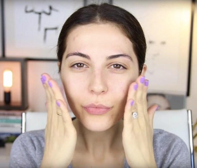 cliomakeup-belle-senza-trucco-6-massaggio-viso