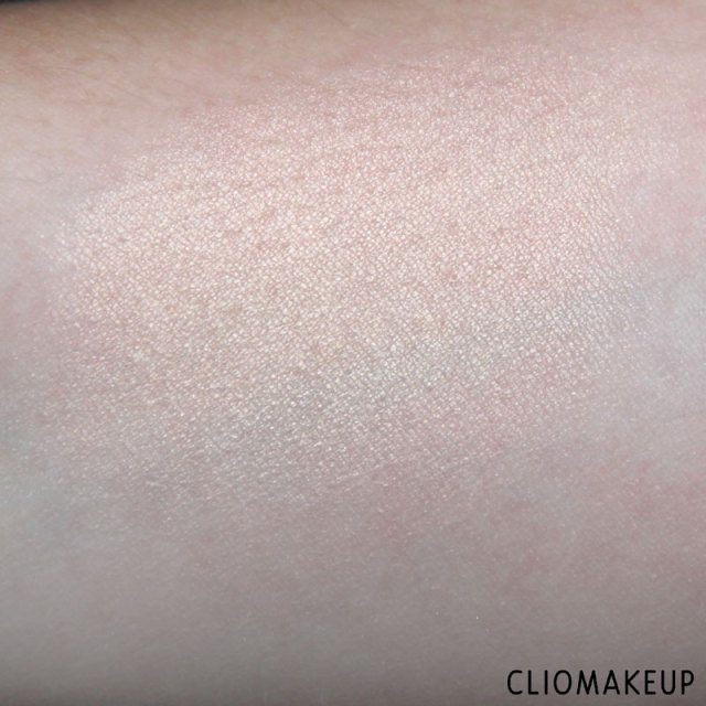 cliomakeup-recensione-flower-enriched-highlighter-kiko-5