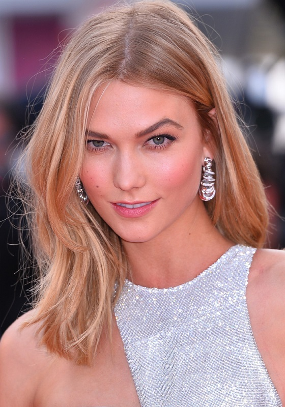 ClioMakeUp-coolspotting-karlie-kloss-top-model-pelle-luminosa-copertina