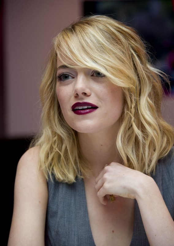 ClioMakeUp-hair-makeover-star-emma-stone-capelli-biondi