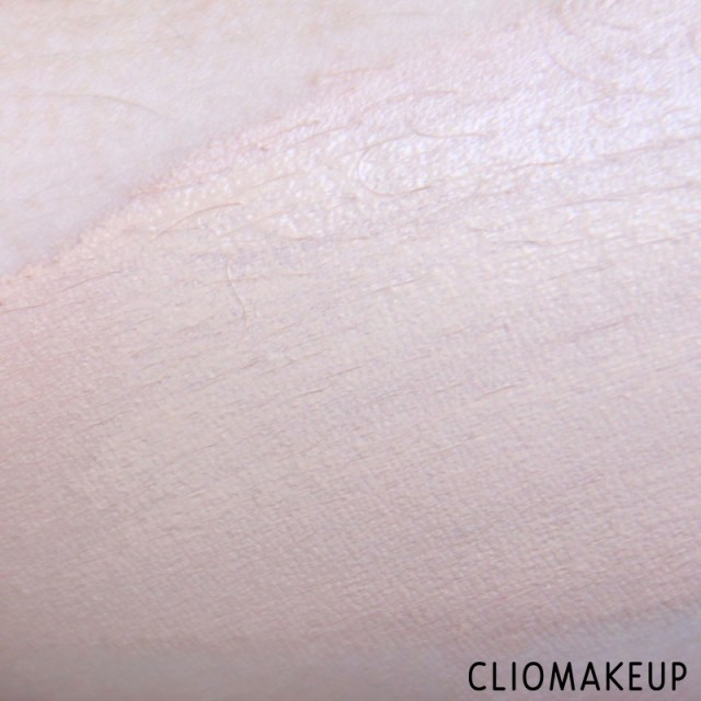 cliomakeup-recensione-fondotinta-camouflage-2-in-1-make-up-e-concealer-essence-7