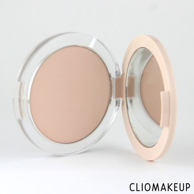 cliomakeup-recensione-fondotinta-camouflage-2-in-1-powder-e-make-up-essence-3