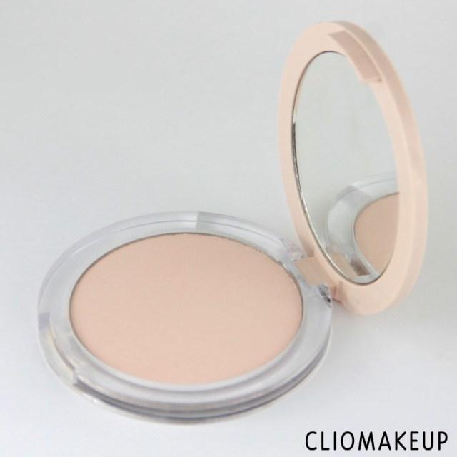 cliomakeup-recensione-fondotinta-camouflage-2-in-1-powder-e-make-up-essence-4