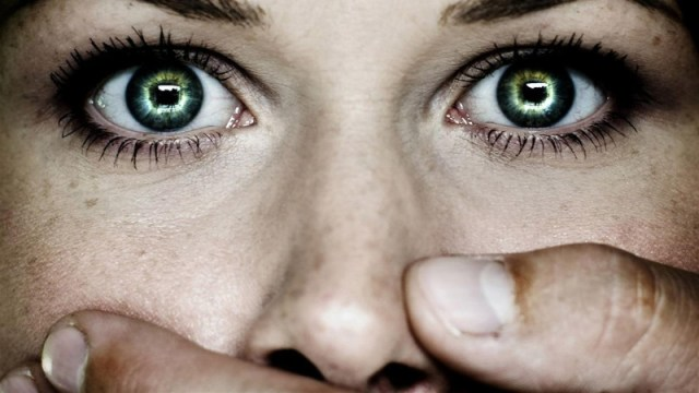 ClioMakeUp-Giornata-contro-la-violenza-sulle-donne-14