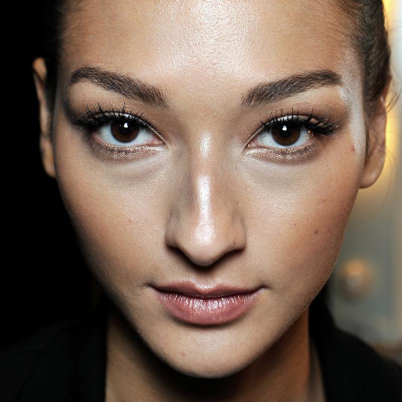 Taglio di capelli per viso con naso grande