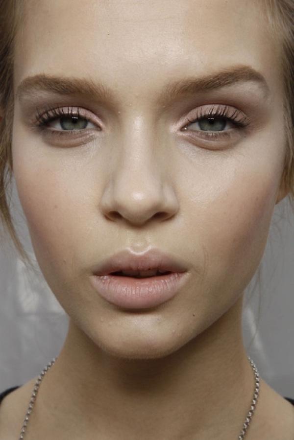 cliomakeup-no-makeup-makeup-3-ombretto-taupe