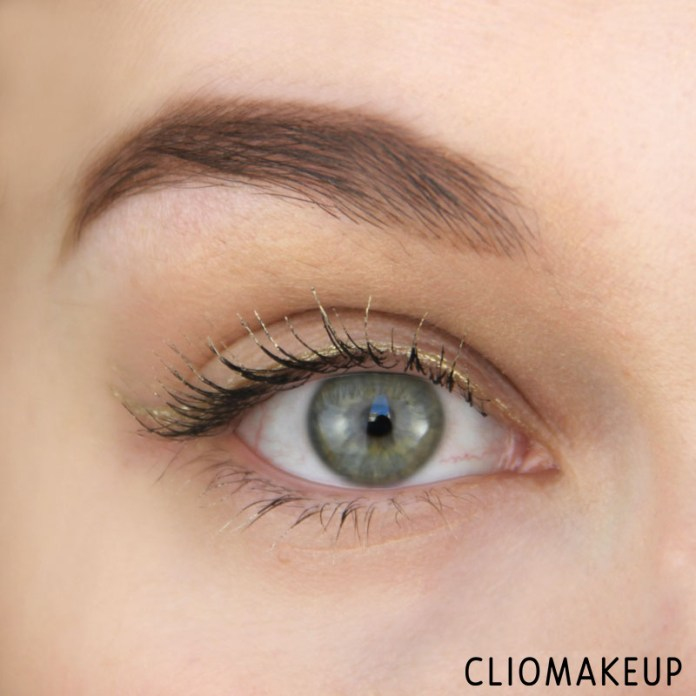 cliomakeup-recensione-the-little-xmas-factory-gold-eyeliner-essence-10