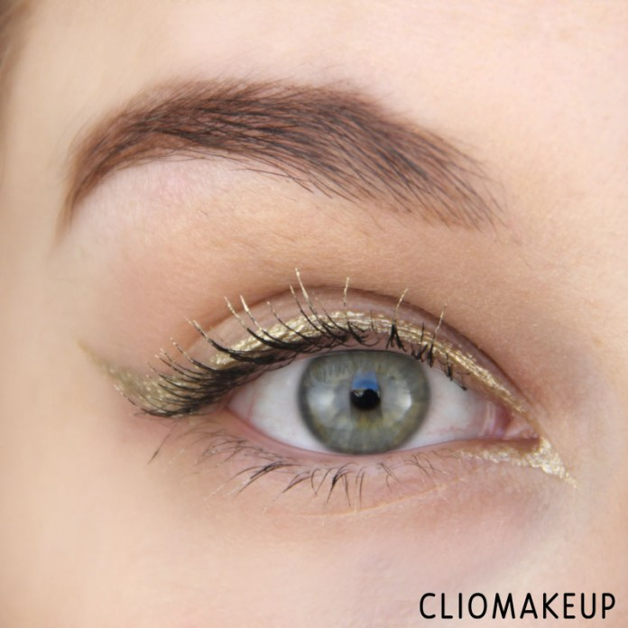 cliomakeup-recensione-the-little-xmas-factory-gold-eyeliner-essence-12