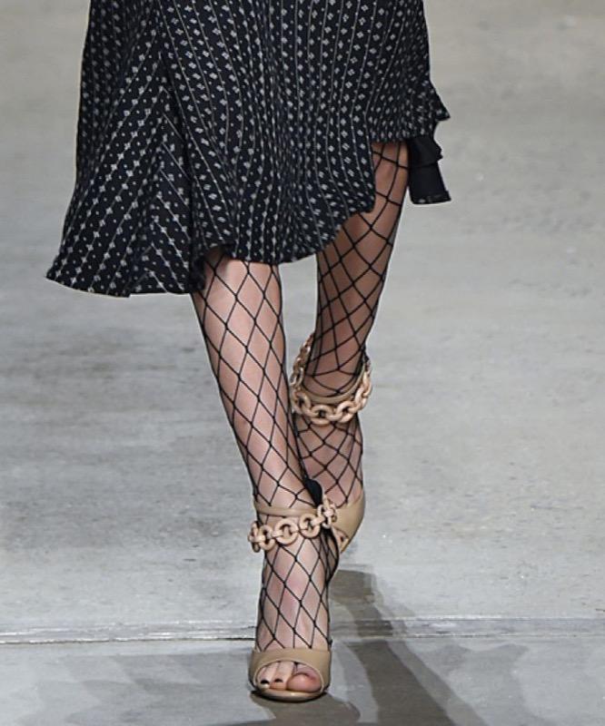 ClioMakeUp-trend-calze-rete-come-indossarle-ritorno-moda-stile-rock-bon-ton-24