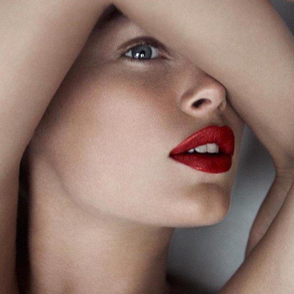 cliomakeup-tendenze-makeup-16-rossetto-mattone