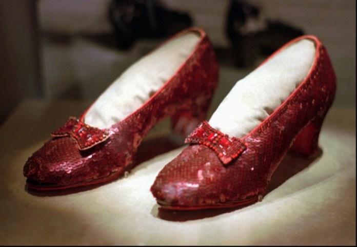 ClioMakeUp-scarpe-famose-celebrities-film-dorothy-il-mago-di-oz-rosse