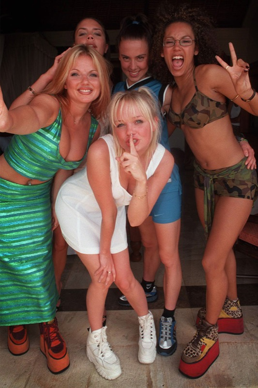 ClioMakeUp-scarpe-famose-celebrities-film-spice-girls-buffalo