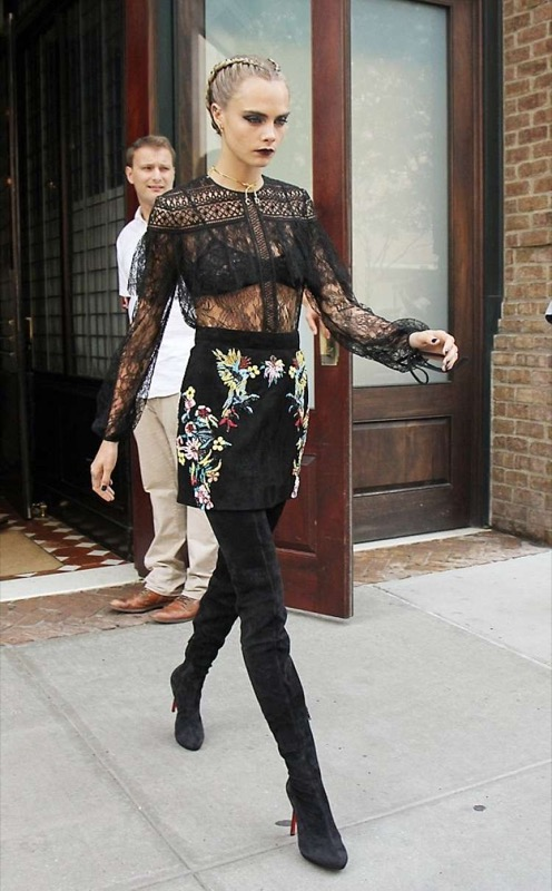 ClioMakeUp-sheer-trend-abiti-trasparenti-passerelle-celebrity-look-outfit-11