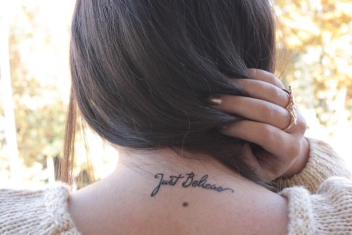 ClioMakeUp-tatuaggi-tattoo-celebrities-collo