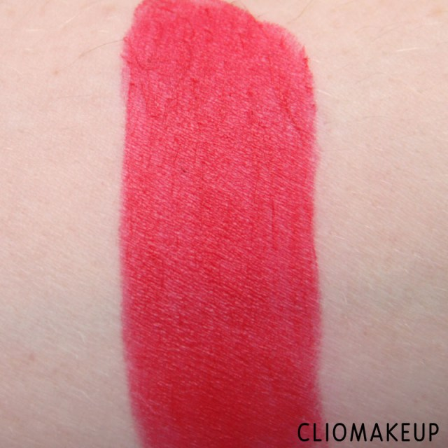 cliomakeup-recensione-rossetti-we-are-fabulous-velvet-matt-lipstick-essence-5