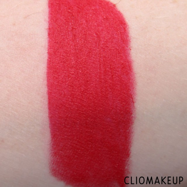 cliomakeup-recensione-rossetti-we-are-fabulous-velvet-matt-lipstick-essence-7