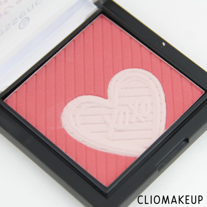 cliomakeup-recensione-we-are-awsome-multicolour-blush-essence-4