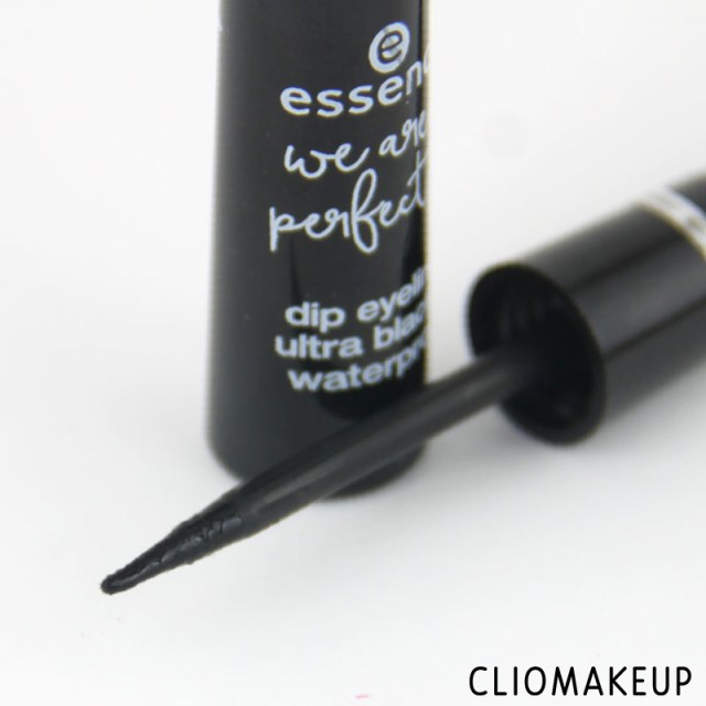 cliomakeup-recensione-we-are-perfect-waterproof-eyeliner-essence-4