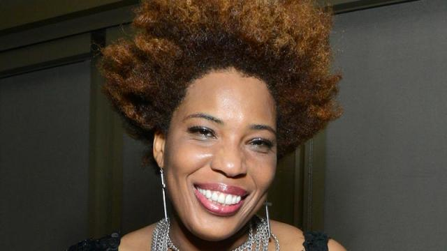 cliomakeup-tipi-di-capelli-29-ricci-afro-folti.jpeg
