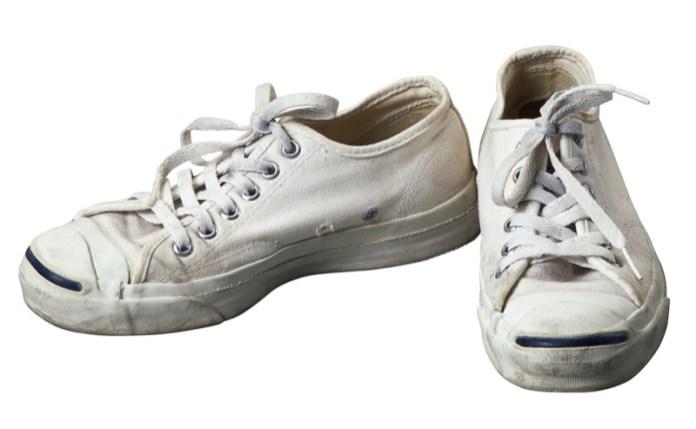 ClioMakeUp-usi-talco-bambini-scarpe-odore