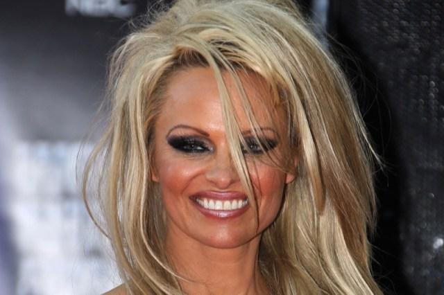 ClioMakeUp-star-less-makeup-da-piu-a-meno-trucco-trasformazioni-celebrita-24