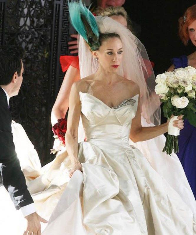 ClioMakeUp-acconciature-sposa-matrimonio-raccolto-capelli-copricapi-fascinator-carrie-bradshaw