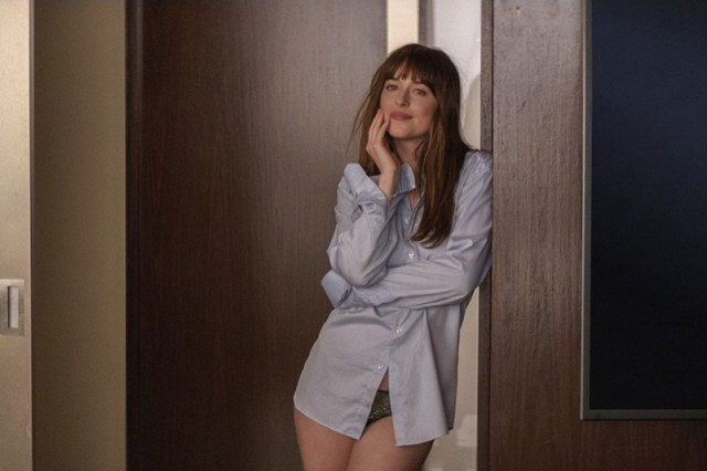 ClioMakeUp-boyfriend-shirt-camicia-pantaloni-gonna-vestito-dakota-johnson