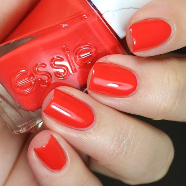 ClioMakeUp-Top-Smalti-Essie-21
