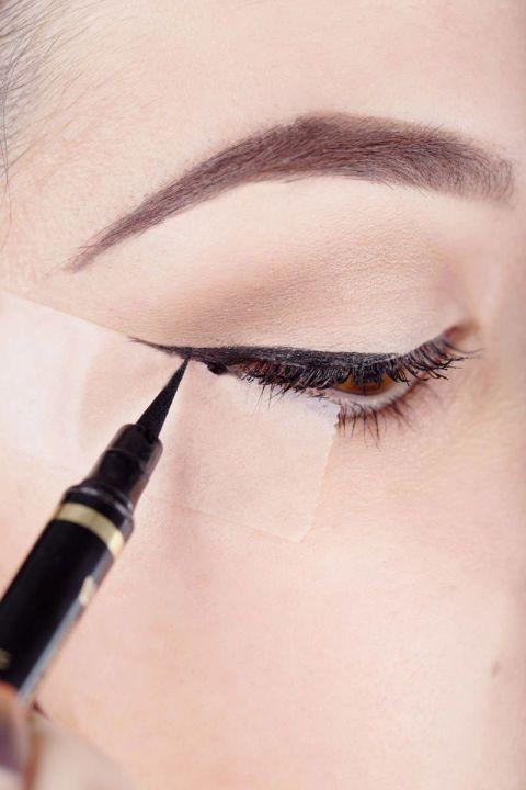 cliomakeup-come-applicare-eyeliner-13-scotch