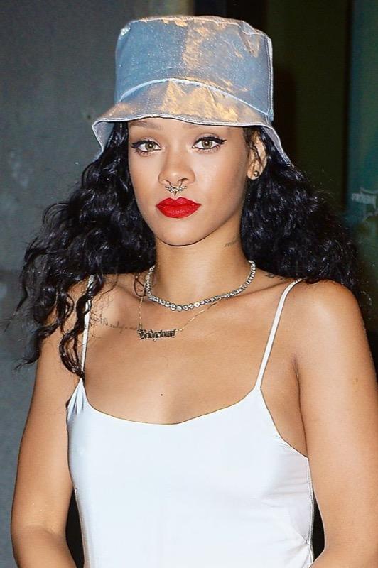 ClioMakeUp-septum-piercing-naso-trend-moda-celebrity-13