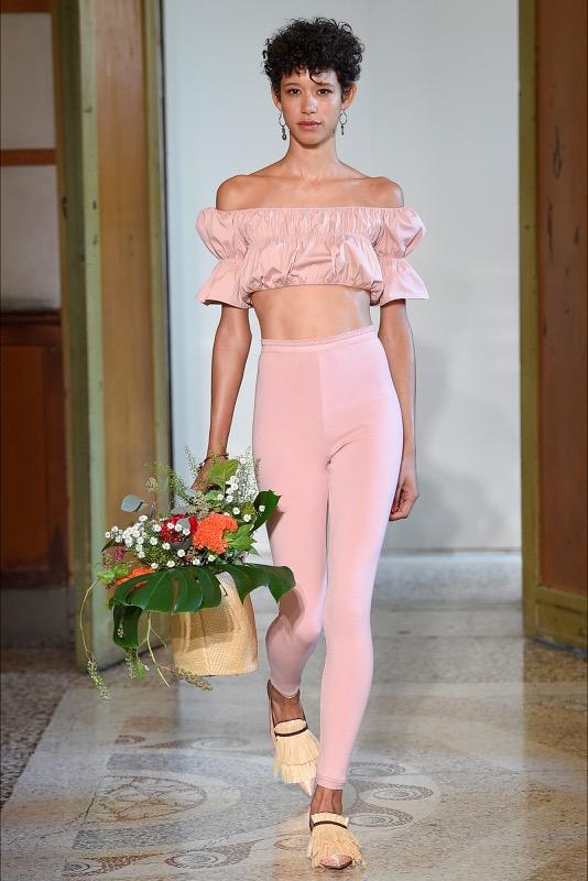 ClioMakeUp-millennial-pink-rosa-primavera-2017-abbinamenti-outfit-sfilate-look-accessori-22