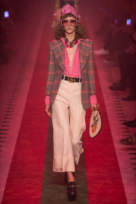 ClioMakeUp-millennial-pink-rosa-primavera-2017-abbinamenti-outfit-sfilate-look-accessori-10