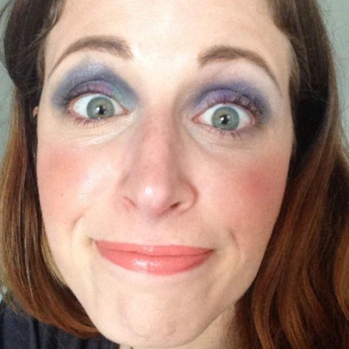 ClioMakeUp-cose-peggiori-makeup-incubi-trucco-rossetto-denti-starnuto-smalto-mascara-eyeliner-8