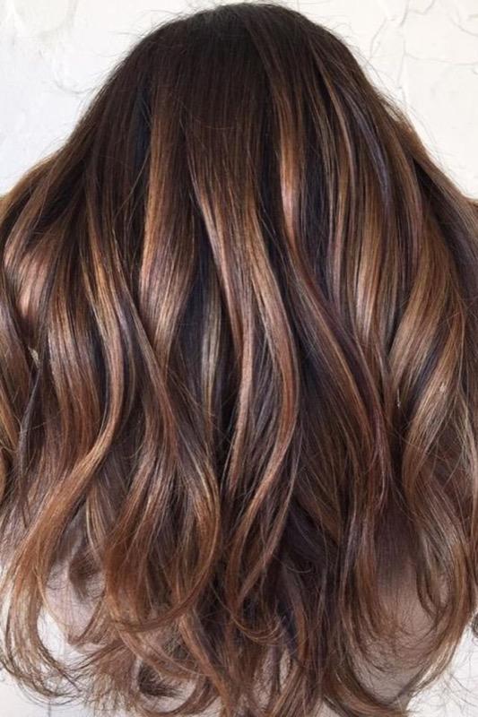 ClioMakeUp-ispirazioni-capelli-per-castane-more-bionde-riflessi-oro-caramello-gold-24