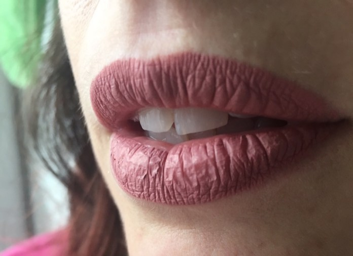 ClioMakeUp-flop-aprile-2017-prodotti-eyeliner-rossetto-top-coat-9