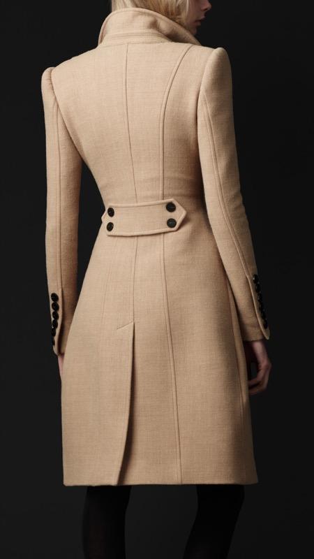 ClioMakeUp-snellire-il-punto-vita-abbigliamento-pantaloni-gonna-vestito-giacca-cappotto-outfit-13