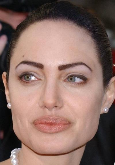 cliomakeup-celebrity-sopracciglia-tatuate-2-angelina-jolie