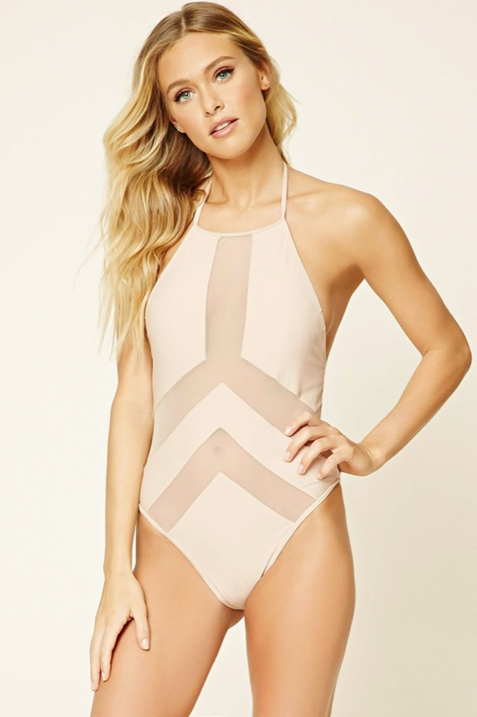 ClioMakeUp-accessori-nude-estate-carnagione-costumi-da-bagno-occhiali-da-sole-4