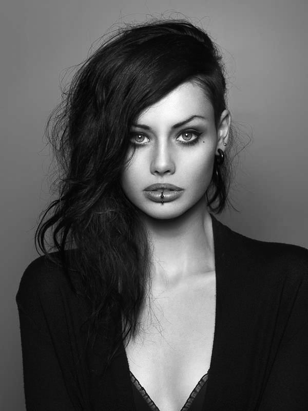 ClioMakeUp-piercing-2017-orecchie-corpo-tendenze-moda--27