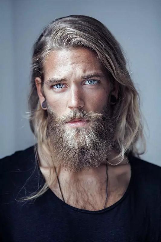 BuzzFeed datare un uomo con la barba