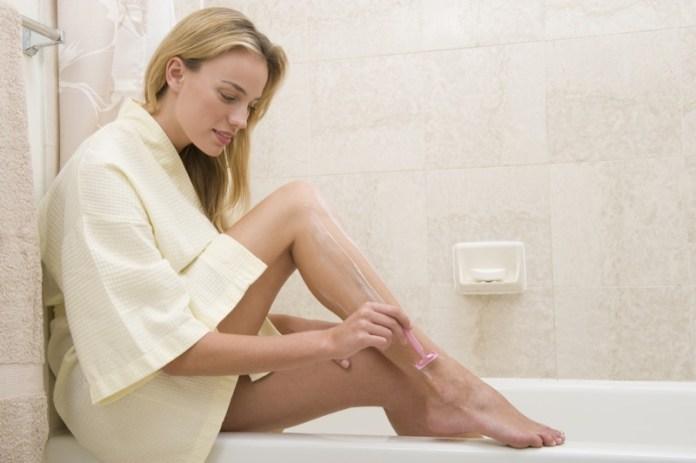 ClioMakeUp-depilazione-peli-incarniti-rimedi-pelle-liscia-ceretta-rasoio-epilatore-scrub-15