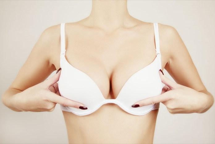 ClioMakeUp-aumentare-alzare-seno-metodi-esercizi-costumi-reggiseno-18