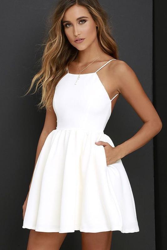 quality design b92f4 f0a7d Vestiti bianchi: come abbinare per ogni occasione il colore ...