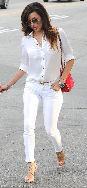 f22694626ed6 Vestiti bianchi  come abbinare per ogni occasione il colore più ...